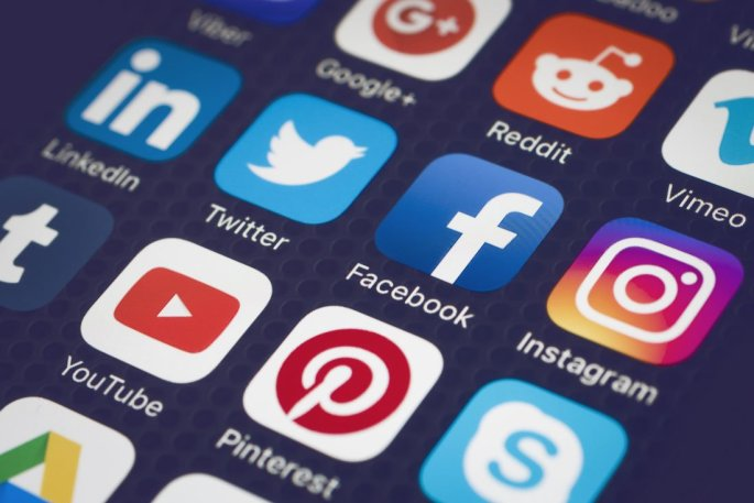 changing-position-of-social-media